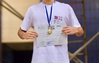 Ιάσων Λαγός πρώτος στο σχολικό πρωτάθλημα κολύμβησης Λυκείων-1