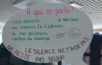 Une journée Action sida organisée par 3 élèves au LFHED -9