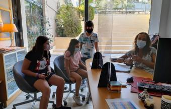 Des élèves de 6ème interviewent leur CPE dans le cadre de leur cours d'Education Morale et Civique-1