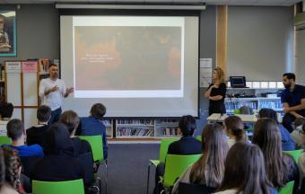 Οι μαθητές της Β' Γυμνασίου συναντούν τον « Άνθρωπο Φωτιά»-2