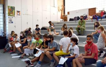 """Deux stagiaires italiennes Erasmus+ offrent aux élèves un premier atelier """"maquillage de scène""""-11"""