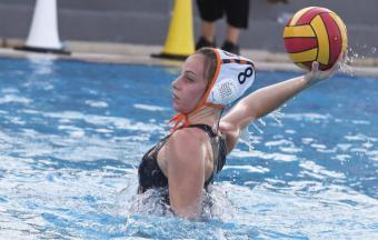 Elena Mpovali, championne nationale junior de waterpolo !