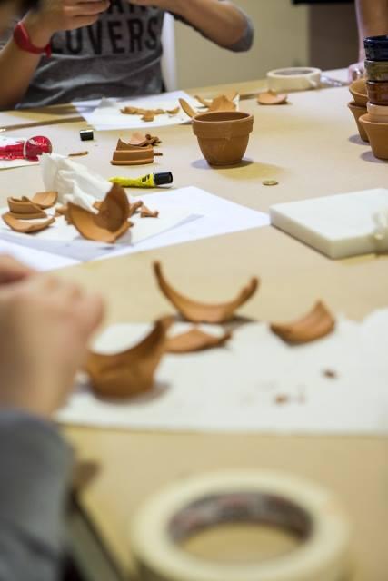 Les 5e latinistes et hellénistes découvrent les métiers de l'archéologie à l'EFA-6