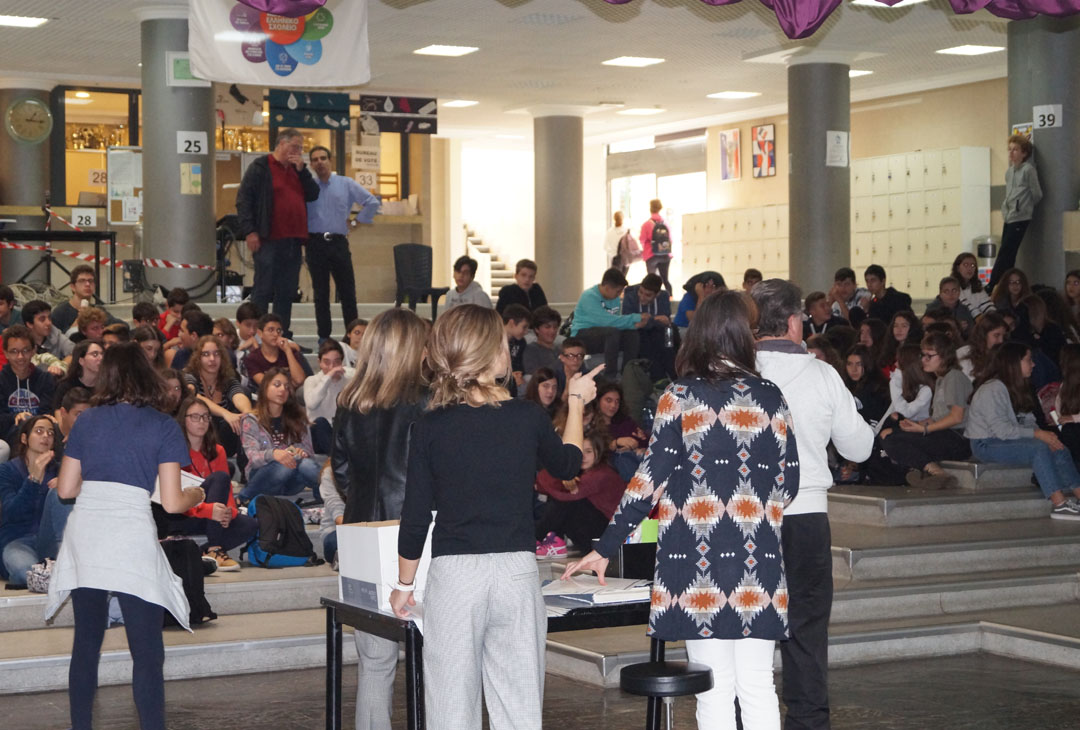 Remise des diplômes d'excellence aux élèves de la Section Hellénique-2
