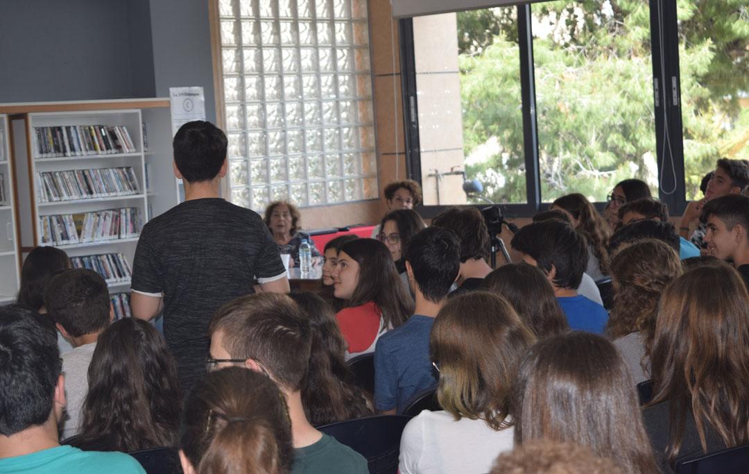 Promenade littéraire autour de l'oeuvre de l'écrivain Alki Zei et rencontre de nos élèves avec l'auteur-1