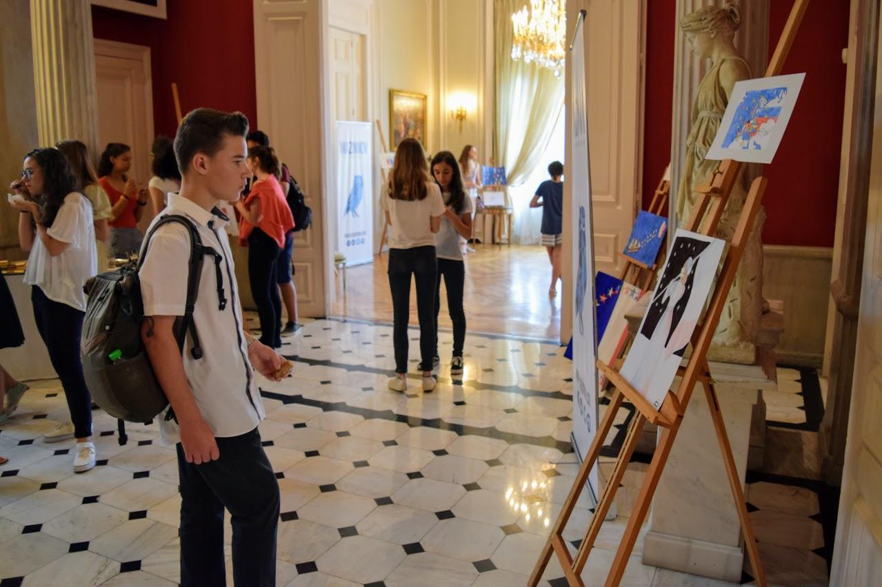 Concours de dessin pour la fête nationale du 14 juillet-11