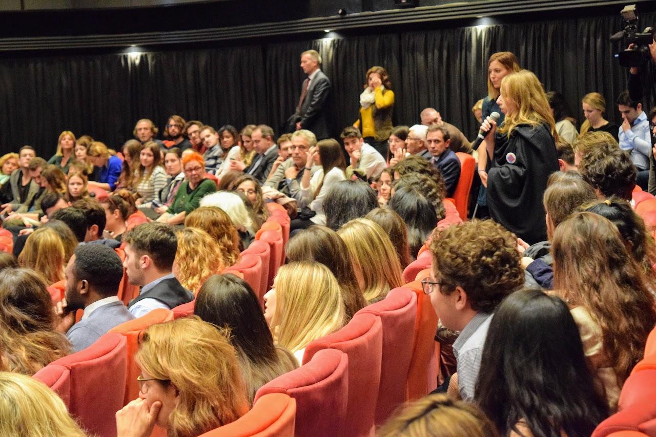 Intervention de François Hollande sur l'Europe à l'IFG : les Terminales posent leurs questions-4