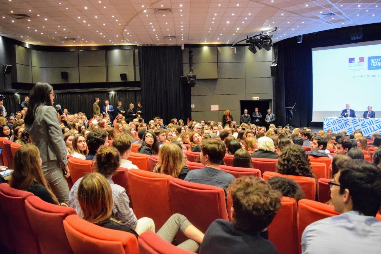 Intervention de François Hollande sur l'Europe à l'IFG : les Terminales posent leurs questions-6