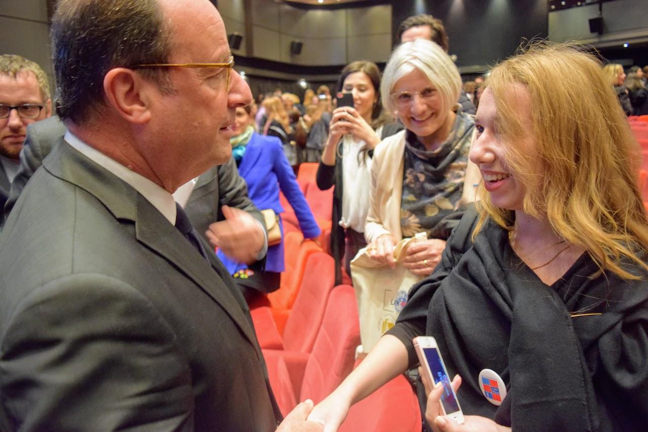 Intervention de François Hollande sur l'Europe à l'IFG : les Terminales posent leurs questions-8
