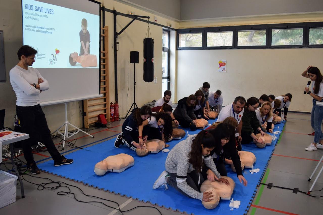"""Nos élèves apprennent à """"Sauver des vies""""-4"""