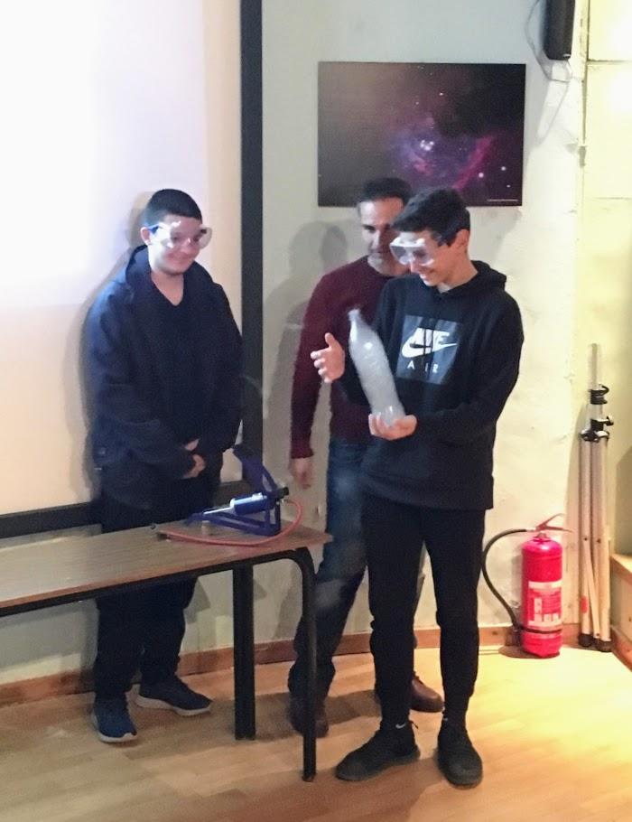 Les élèves du club de météorologie en visite à l'Observatoire astronomique de Penteli-4