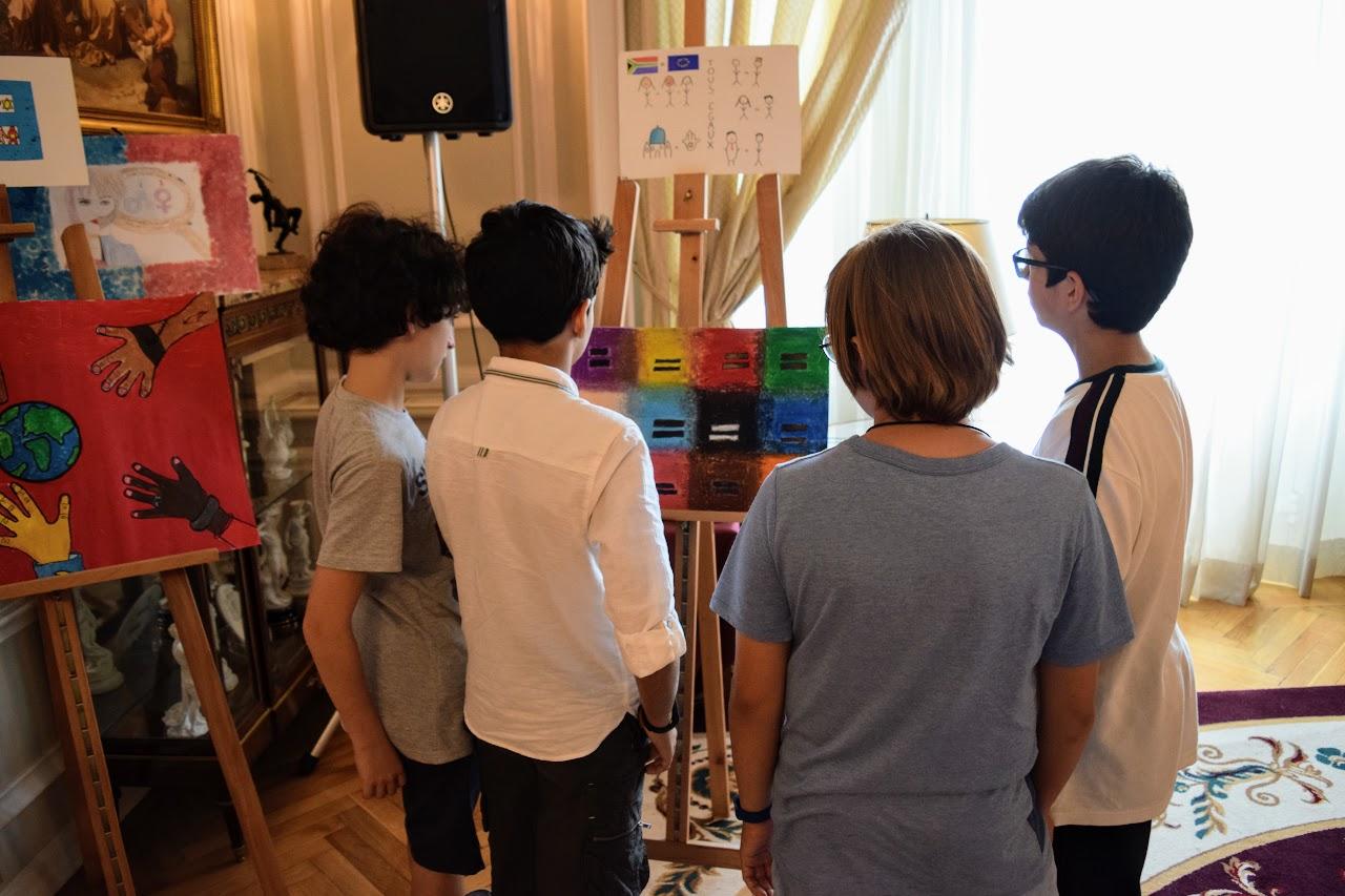 Nos élèves participent au concours de dessin lancé par l'Ambassade sur le thème de l'égalité-21