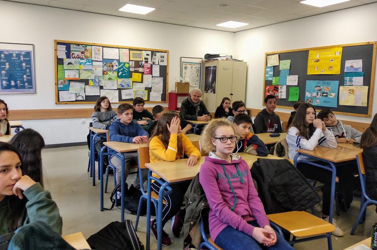 La municipalité d'Aghia Paraskevi sensibilise nos élèves à la thématique du recyclage-2