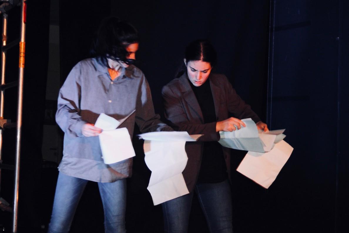 Spectacle des 1ères option théâtre -21