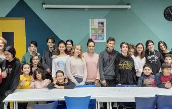 Nos élèves de collège de la Section Hellénique ouvrent leurs bras aux enfants du centre de jour Ανοικτή Αγκαλιά-0