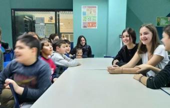 Nos élèves de collège de la Section Hellénique ouvrent leurs bras aux enfants du centre de jour Ανοικτή Αγκαλιά-3