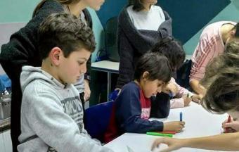 Nos élèves de collège de la Section Hellénique ouvrent leurs bras aux enfants du centre de jour Ανοικτή Αγκαλιά-5
