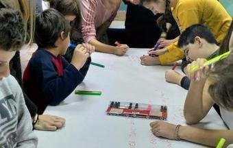 Nos élèves de collège de la Section Hellénique ouvrent leurs bras aux enfants du centre de jour Ανοικτή Αγκαλιά-6