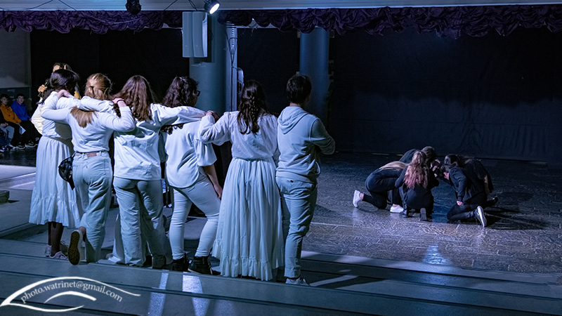 Les élèves de 1ère option théâtre présentent le spectacle « ANIMUS ANIMA »-5